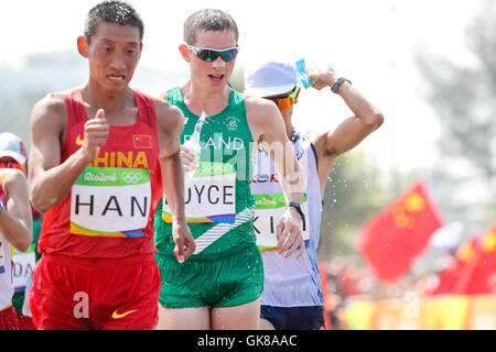 Rio De Janeiro, Brazil. 19th Aug, 2016. Yucheng Han (CHN) and Brendan Boyce (IRL) during Race Walking in Athletics - Stock Photo