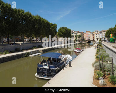 Canal de la Robine in the city center of Narbonne, Languedoc Roussillon, southern France - Stock Photo