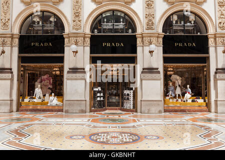 Prada store in the Galleria Vittorio Emanuele ll, Milan, Lombardy. - Stock Photo