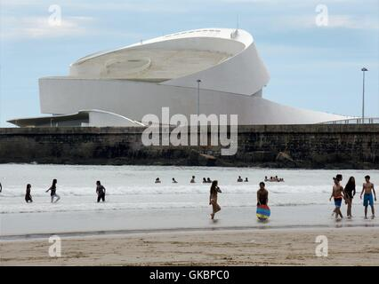 New builted terminal for cruise liners in the port of Leixões near Porto (Portugal).  Lui_s Pedro Silva is the architect - Stock Photo