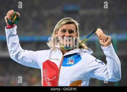 Rio de Janeiro, Brazil. 19th August, 2016. Barbora Spotakova of the Czech Republic with her bronze medal in the - Stock Photo
