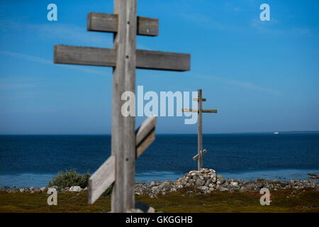 Arkhangelsk Region, Russia. 20th Aug, 2016. Wooden crosses on Bolshoi Zayatsky Island of the Solovetsky Archipelago. - Stock Photo