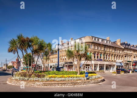The centre of Llandudno, intersection of  Gloddaeth and Mostyn Streets, Conwy, Wales, UK. - Stock Photo