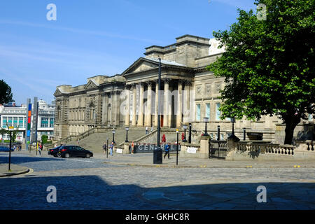 Liverpool museum and Central Library - Stock Photo