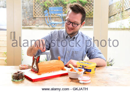 Editorial use only File photo dated 18/04/2016 of The Great British Bake Off 2010 Winner Edd Kimber. - Stock Photo