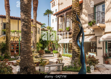 Via Parigi on Worth Avenue in Palm Beach, Florida. (USA) - Stock Photo