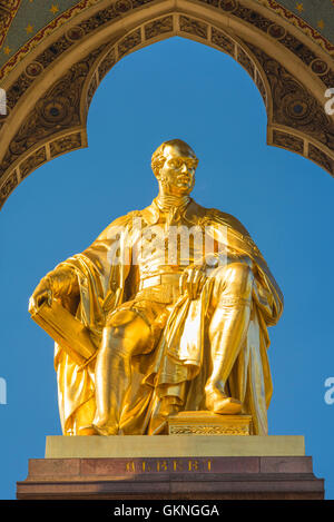 Victorian architecture London, detail of the gold statue on the Albert Memorial in Kensington Gardens, London, UK. - Stock Photo