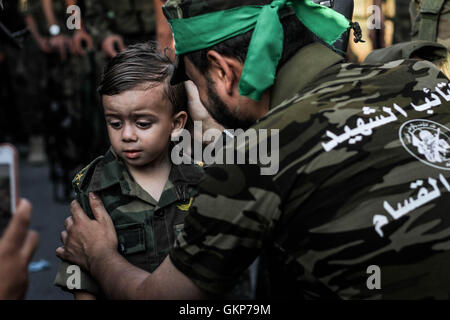 August 22, 2016 - ''Al-Qassam Brigades, the military wing of Hamas organized a military parade in Rafah southern - Stock Photo