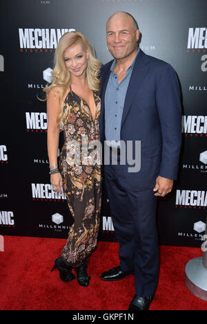Los Angeles, USA. 22nd Aug, 2016. LOS ANGELES, CA. August 22, 2016: Actress Mindy Robinson & boyfriend actor Randy - Stock Photo