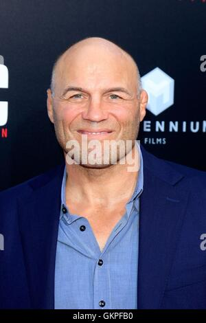 Los Angeles, CA, USA. 22nd Aug, 2016. Randy Couture at arrivals for MECHANIC: RESURRECTION Premiere, Arclight Cinemas - Stock Photo