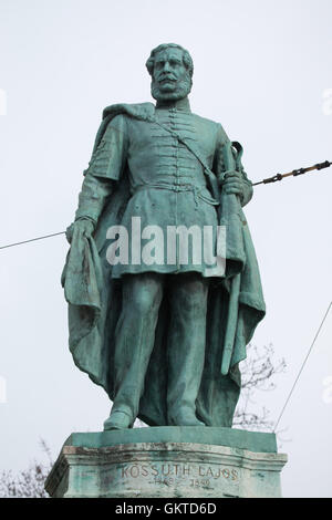 Hungarian national hero Lajos Kossuth. Statue by Hungarian sculptor Zsigmond Kisfaludi Strobl on the Millennium - Stock Photo