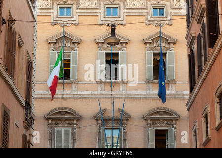 Rome, Italy. 25th Aug, 2016. Flags at half mast appear at the Italian Senate, Palazzo Madama. Italy is in mourning - Stock Photo