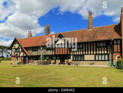 Almshouse buildings at Thorpeness, Suffolk, England, UK built 1926 - Stock Photo