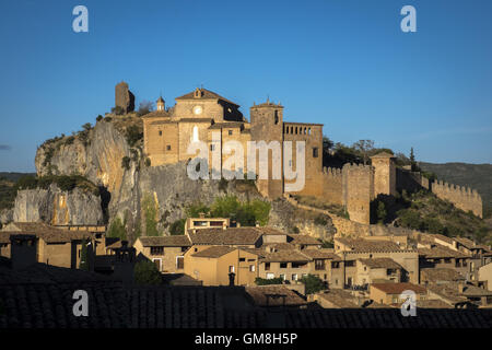 Sunset view of the city of Alquezar with the whole castle-collegiate church - Stock Photo
