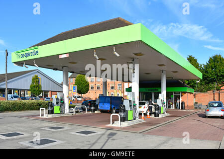 Europe uk england petrol station uk dusk forecourt stock photo royalty free image 18957220 alamy - Esso garage opening times ...