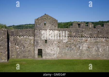 western wall of Kidwelly castle - Stock Photo