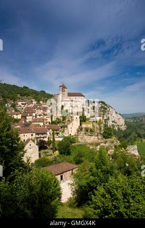 Historic clifftop village tourist attraction, St Cirq Lapopie, Lot, Midi Pyrenees, France, Europe - Stock Photo