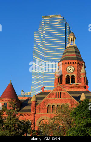dealey plaza park downtown dallas texas usa stock photo royalty free image 79375081 alamy. Black Bedroom Furniture Sets. Home Design Ideas