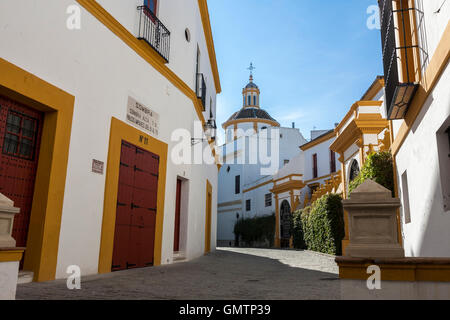 Lane outside the Plaza de toros de la Real Maestranza de Caballería de Sevilla (Royal Bullring of Seville), Andalusia, - Stock Photo