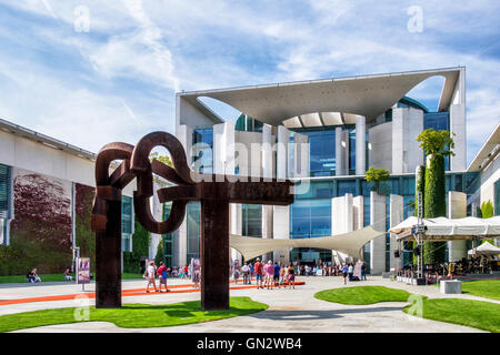 Berlin. Germany, 28th August 2016. Every August or September an 'open day' is held when Government buildings in - Stock Photo