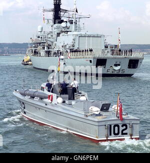 AJAXNETPHOTO. 23RD AUGUST, 2001. PORTSMOUTH, ENGLAND. - RESTORED WWII MTB -  THE 64 YEAR OLD VOSPER BUILT AND DESIGNED - Stock Photo