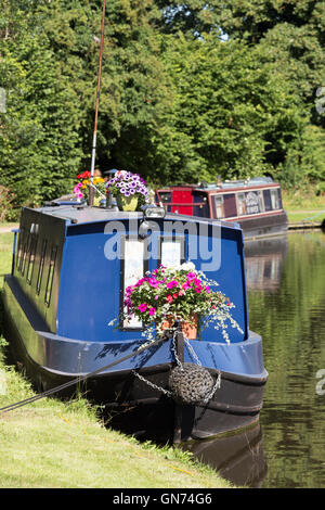 Narrowboats moored on the Staffs & Worcester Canal at Kinver, Staffordshire, England, UK - Stock Photo
