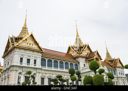 The Chakri Maha Prasat Throne Hall Is The Middle Court Of ...