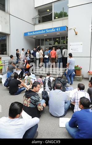 Syrian asylum seekers during sit-down strike in Munich, 2014 - Stock Photo