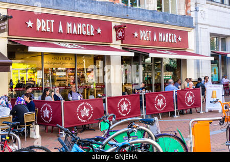 The Pret a Manger coffee shop on Broad Street in Reading, Berkshire. - Stock Photo
