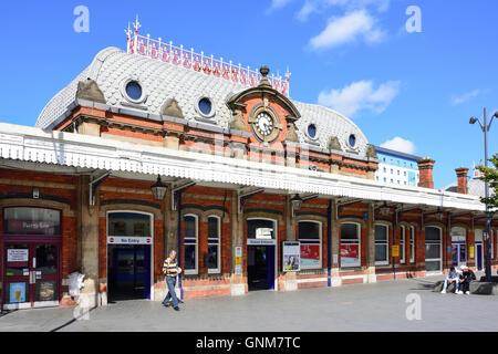 Slough Railway Station, Brunel Way, Slough, Berkshire, England, United Kingdom - Stock Photo
