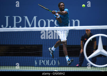 Flushing Meadows, New York, USA. 31st Aug, 2016. US Open tennis championships. Gael Monfils (FRA) Credit:  Action - Stock Photo