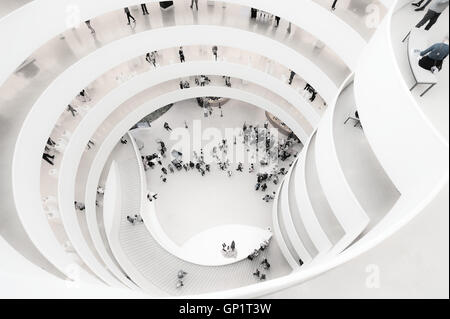 Guggenheim Museum, New York, looking down - Stock Photo