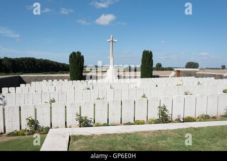 One of the many British cemeteries in the Somme - Stock Photo