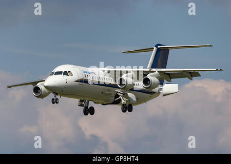QinetiQ BAE Systems-Avro RJ100 QQ101 from the Empire Test Pilots School (ETPS) - Stock Photo