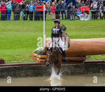 Burghley House, Burghley, UK. 03rd Sep, 2016. Land Rover Burghley Horse Trials. Cross Country. REVE DU ROUET ridden - Stock Photo
