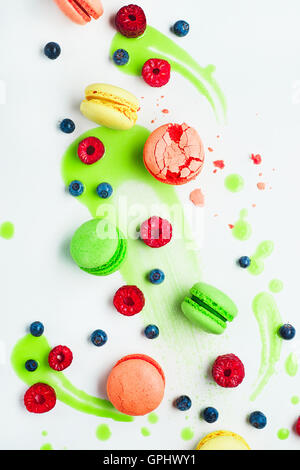 Art of food patterns (with macarons and lime frosting) - Stock Photo