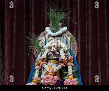 Bangkok, Thailand. 05th Sep, 2016. Statue of Lord Ganesha of ceremony the first day to Lord Ganesha celebrations - Stock Photo