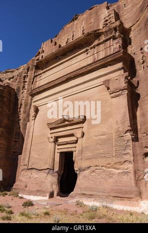 Uneishu Tomb. Petra, Jordan. No people - Stock Photo