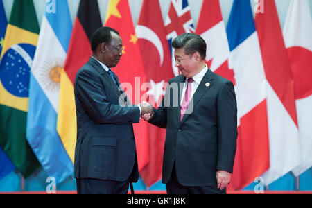 Hangzhou, China. 4th Sep, 2016. Idriss Deby, President of Chad, being welcomed by Chinese President Xi Jinping (r) - Stock Photo