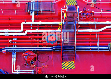 Southampton oiler fuel lines topping up fueling Aurora - Stock Photo