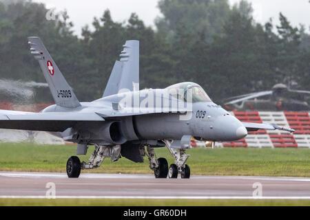 Swiss Air Force (Schweizer Luftwaffe) McDonnell Douglas F/A-18C Fighter aircraft J-5009 - Stock Photo