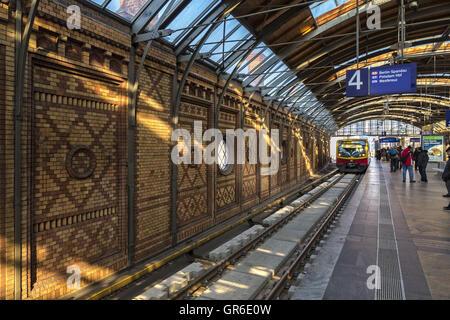 Bahnhof Haukescher Markt In Berlin - Stock Photo