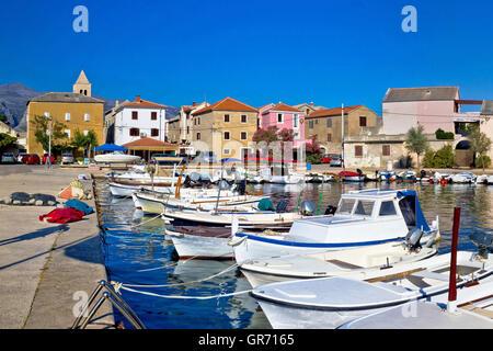 Pictoresque colorful Dalmatian village of Vinjerac in Croatia - Stock Photo