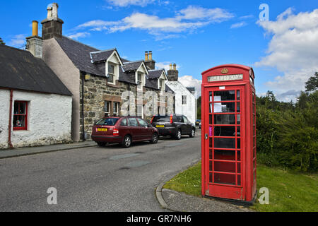 Residential Houses And Phone Booth In Plockton, Ross And Cromarty, Scottish Highlands, United Kingdom - Stock Photo