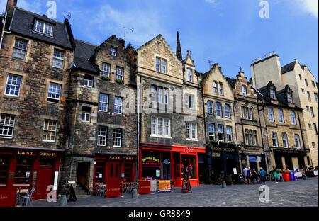 Scotland, Edinburgh, Old Town, houses in the Grassmarket - Stock Photo