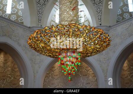 Golden chandelier Abu Dhabi Grand Mosque, UAE, United Arab ...