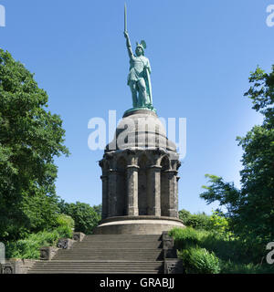 Hermannsdenkmal stock photo royalty free image 131123085 for Innenarchitektur ostwestfalen lippe