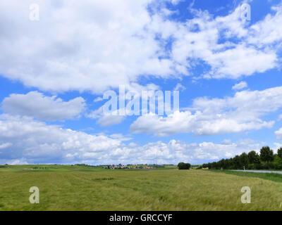Wine Village Spiesheim In Rhinehesse Under Blue Cloudy Sky - Stock Photo