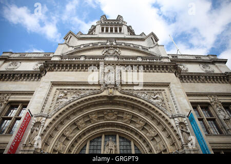 Victoria and Albert Museum, London, UK. 7th Sep, 2016. Victoria and Albert Museum. You Say You Want a Revolution? - Stock Photo