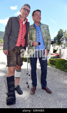 Rottach-Egern, Germany. 08th Sep, 2016. Singer Patrick Lindner (R) and his life partner Peter Schaefer arrive to - Stock Photo